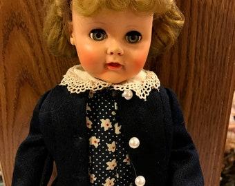 """Vintage 1953 Madame Alexander """"Madelaine"""" doll"""