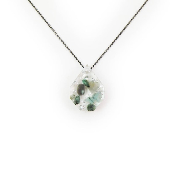 Medium Emerald Eco-Resin Tumbled Stone Necklace