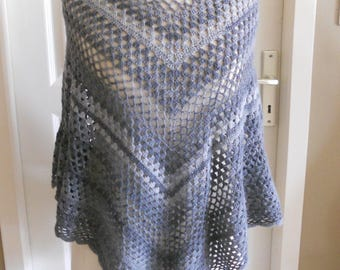Poncho crocheted shades of grey