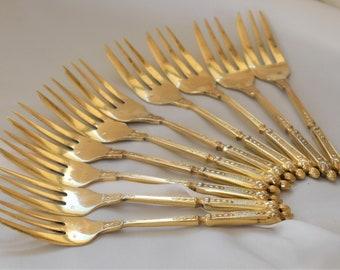 Vintage cake forks, gold metal, square sculpted handle Rionne Rancot
