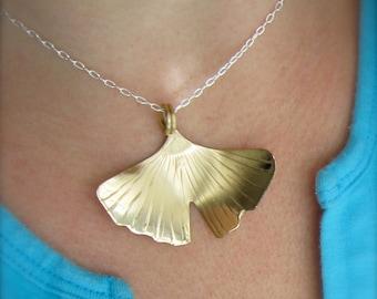 Lg-Sm Textured Ginkgo Leaf Necklace