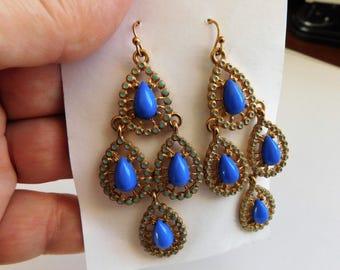 Vintage Dangle Earrings Periwinkle Blue Vintage Costume Jewelry Pierced Ears