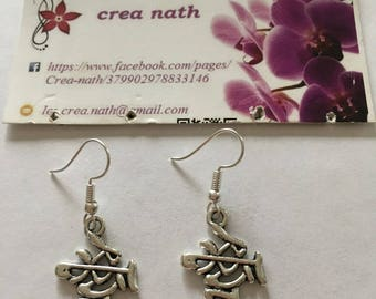 earring type silver Chinese sign