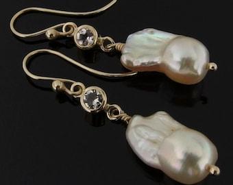 Flameball Pearl, Morganite and 14k Gold Earrings, Flameball Pearl Earrings, Morganite Earrings, Bridal Earrings, June Birthstone