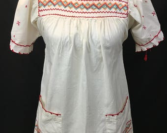 70's Embroidered Mexican Top with Pockets