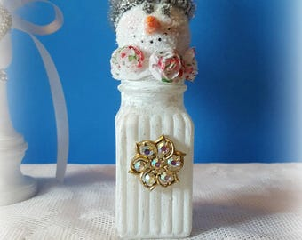 "Vintage Salt Shaker Snowman ""Birdie"", Glass Shaker, Glitter Snowman Decoration, Snowman Assemblage, Christmas Collectible, Original"