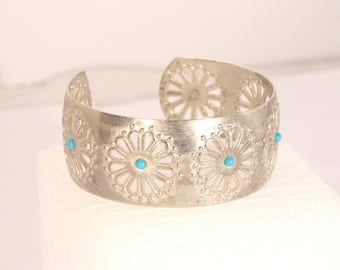 Vintage Southwestern Cuff Bracelet Turquoise Accent Beads in Silver Metal Filigree Wide