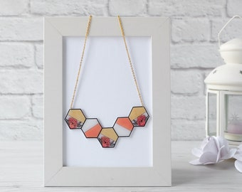 Choker hexagons flowers and gold