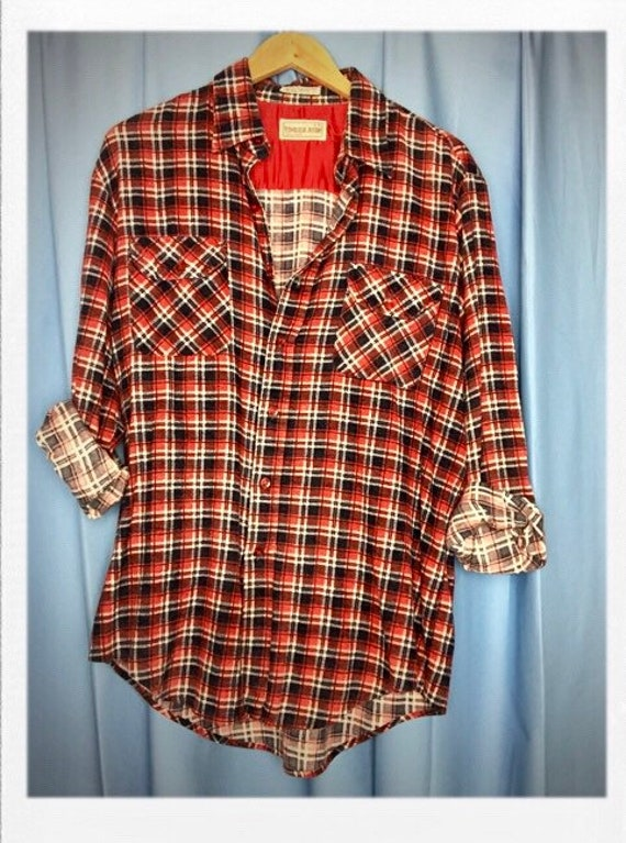 "Vintage Men's Plaid Flannel Shirt Large 22"" width 31"" length"
