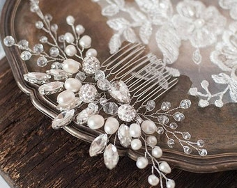 Bridal Hair Comb Wedding Decorative Hairpiece Pearl Hair Comb Silver Crystal Rhinestone Hair Clip Beaded Prom Headpiece Wedding Hair Jewelry