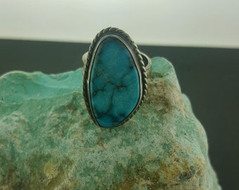 Vintage Navajo turquoise ring - size 6 (adjustable ring)