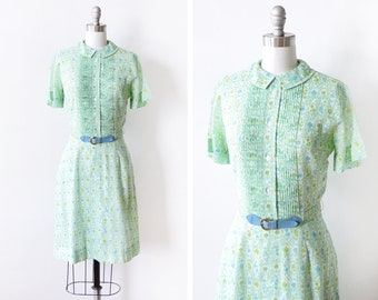 green floral dress, vintage 60s dress, 1960s shirtwaist day dress, garden party Peter Pan collar button up dress, small/small medium