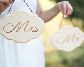 Mr Mrs Chair Signs Mr and Mrs Wooden Sign Rustic wedding Sign Sweetheart table sign decor Wedding Frame Set of 2