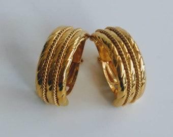 Vintage goldtone clip earrings Italy