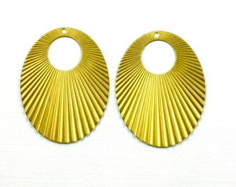 6 corrugated OVAL jewelry pendant or earring drops. 30mm x 38mm (T7).