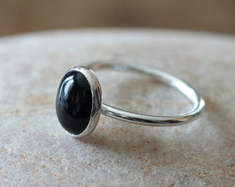 Oval Black Onyx Ring 8x10 mm in Sterling Silver. Black Onyx Stacking Ring, Onyx Jewelry, Gift for Her, Size 2 to 15, Womens Ring, Unisex