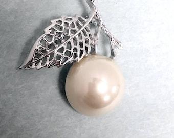 "1970 Sarah Coventry ""NATURE'S PEARL"" Silvertone Half Pearl Pin Brooch"