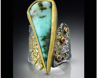 Eye stopping chrysoprase ring, sterling silver, 22kt gold, diamond and rubies