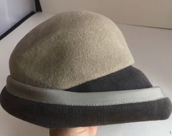 Vintage 1920's style grey cloche hat. Holt Renfrew grey felt cloche hat. Designer frey felt hat.