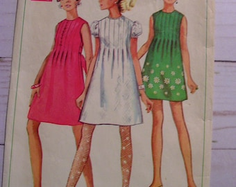 Pintuck Mini Dress | Misses 10 bust 32.5 | Simplicity 7633 | cut used complete vintage 1968 sewing pattern