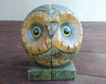 Mid-Century Italian Hand Carved Alabaster Owl Bookends