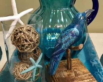 Bird art made in Venezuela. Hand carved, hand painted, customizable. You choose your colors and bird!