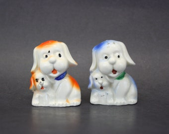 Vintage Kitsch Mom and Puppy Dog Salt & Pepper Shakers (E7910)