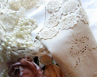 Antique Linens, Tea Towel and Centerpiece, Set of Two Vintage Linens, Tatting and Cutwork, by mailordervintage on etsy