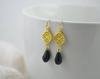 Elegant Black and Gold Filigree Earrings, Gold Chandelier Bridesmaids Earrings, Dangle Black Drop Earrings, Black Teardrop Crystal Earrings