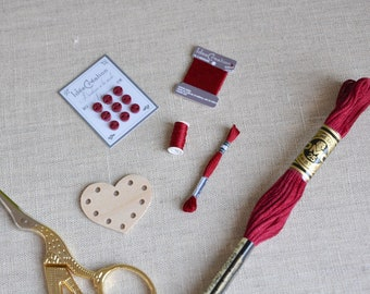 Miniature embroidery, sewing notions, sewing, set of 5 miniature red