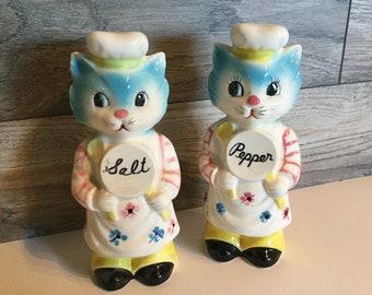 Vintage Anthropomorphic Cat Salt & Pepper Set
