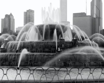 Buckingham Fountain in Chicago, 11x14 black and white fine art print