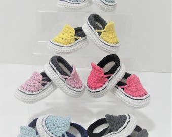 Baby Sneakers, Baby Shoes Crochet, baby boy shoes, vans style booties, vans baby booties, baby shower gift idea, booties newborn to 9 months