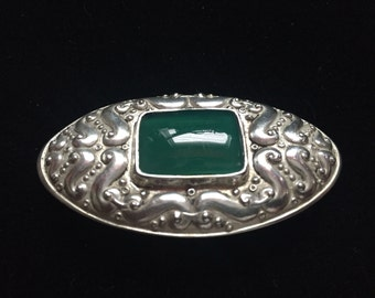 Sterling Brooch with Chrysoprase stone
