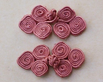 Dusty pink frog closure. 3 scroll. Set of 3