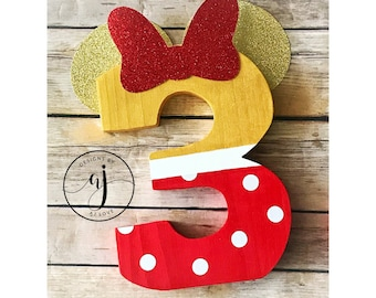Minnie Gold/Red Birthday Number//Glitter Card Stock