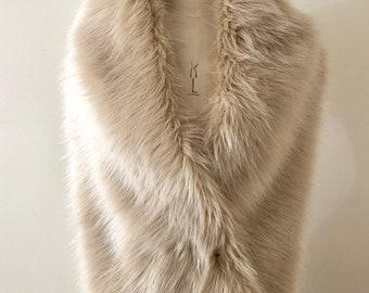 Champagne Faux Fur Shrug - Bridal Fox Fur Stole- Pink Champagne Fur Collar - Luxury Faux Fur Bridal Cape Shrug - gift for her - Handmade UK
