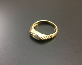 14K yellow gold diamond ring, size 5, weight 2.9 grams