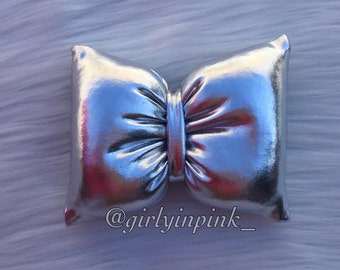 Silver pillow bow