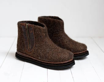 Ankle felted boots- felted wool shoes- snow warm shoes- chocolate color- dark brown shoes- bespoke shoes-winter shoes-handcrafted shoes