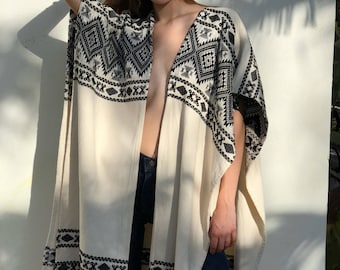 Southwest Jacket Duster / Vintage 70's Cape / Avant Garde / Long Jacket / Cream Cotton with Black and Silver Threading / Vintage Duster