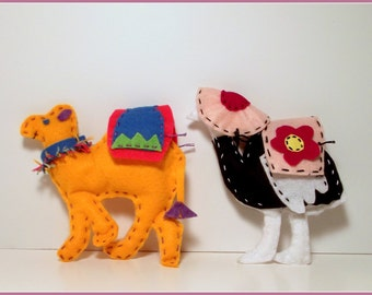 Scruffy the Camel and Astrid the Ostrich Felt Playset Pattern