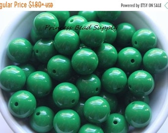 SALE 16mm Green Solid Chunky Beads Set of 10 or 20,  Green Solid Mini Chunky Beads, Bubble Gum Beads, Gumball Beads, Acrylic Beads