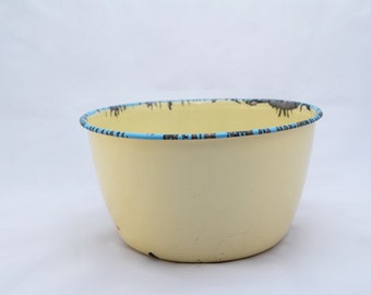 Cream and blue enamelled pudding basin, retro kitchenalia