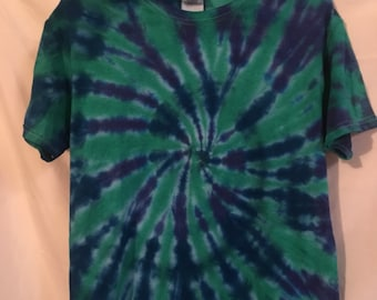 Small  adult small blue green tye dye swirl gildan small