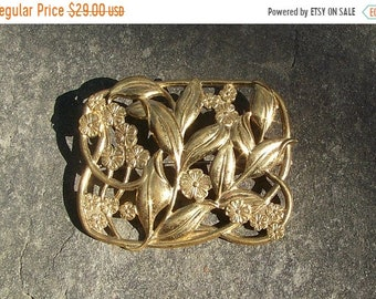 ON SALE Large VINTAGE Brass Pin Brooch With Forget Me Nots   D12