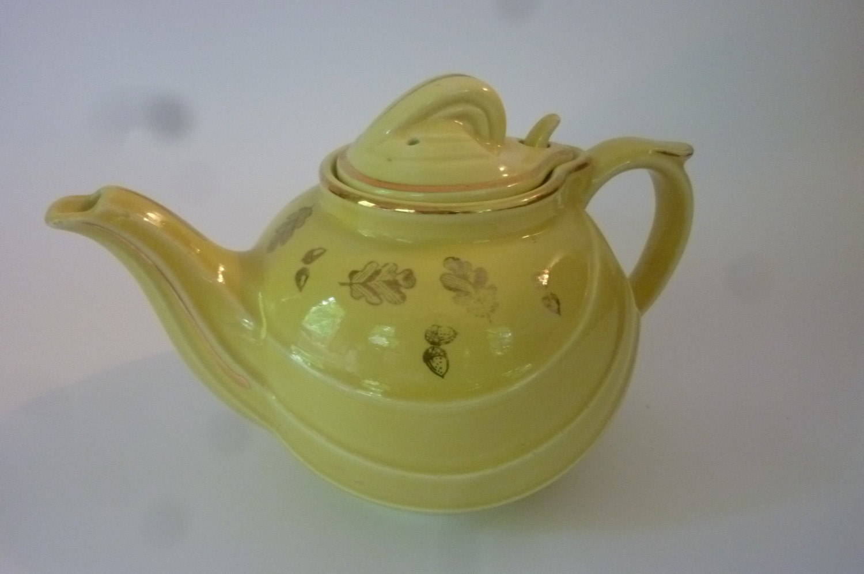 Vintage Teapot Hall China 6 Cup 50\'s Ceramic Teapot Yellow