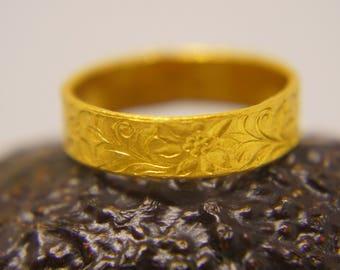 22k wedding band//22k yellow gold//artisan hammered handmade//fine gold ring// mans gold ring//unisex solid gold//22k gold wedding band ring