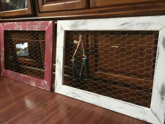Distressed Chicken Wire Frame 20x26 outside