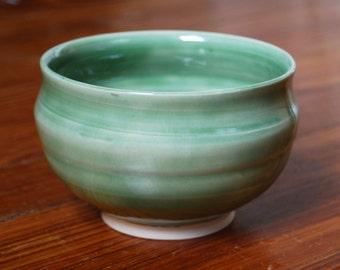 Small ceramic bowl (B2)